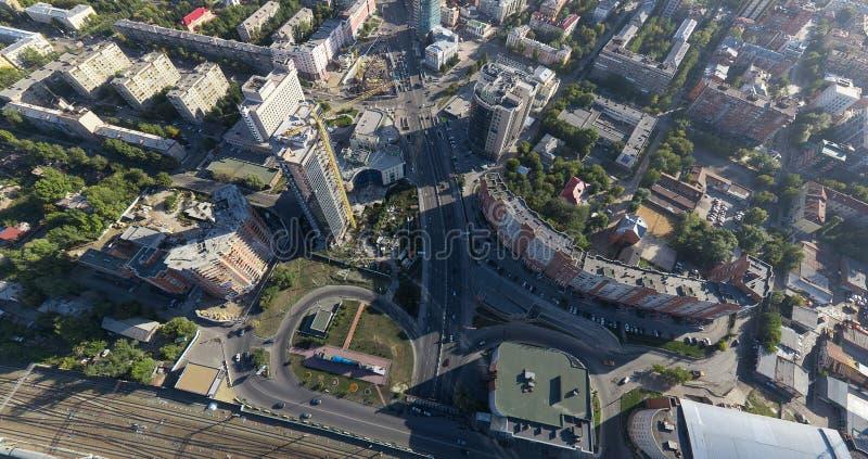 Powietrzny miasto widok z rozdroże budynkami i obrazy royalty free