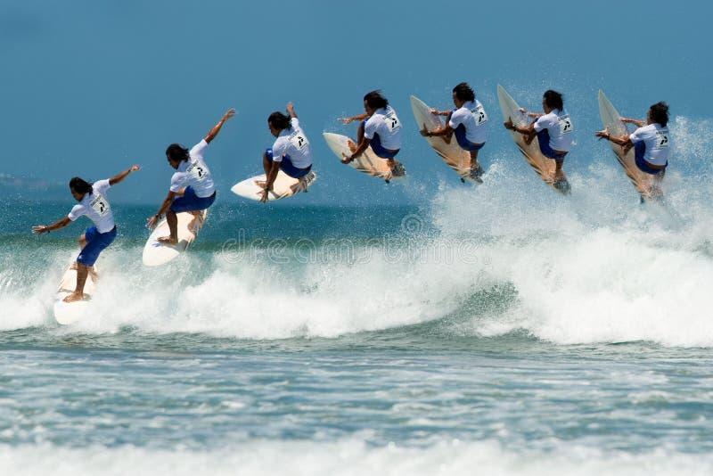 powietrzny mistrza mężczyzna surfing fotografia stock