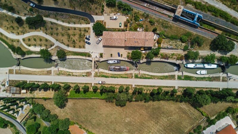 Powietrzny odgórny widok Fonserannes blokuje na kanale du Midi od above, unesco dziedzictwa punkt zwrotny, Francja zdjęcia royalty free