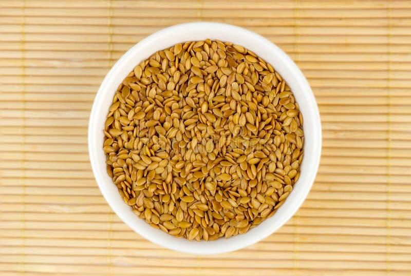Powietrzny odgórny widok złoty flaxseed fotografia stock