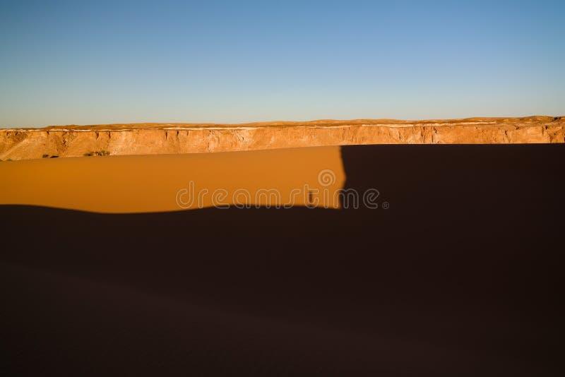 Powietrzny Panoramiczny krajobraz blisko Boukkou jeziora grupy Ounianga Serir jeziora przy Ennedi, Czad fotografia stock