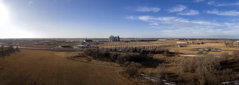Powietrzny panoramiczny uwypuklający zbożową windę w Mitchell, SD zdjęcie royalty free