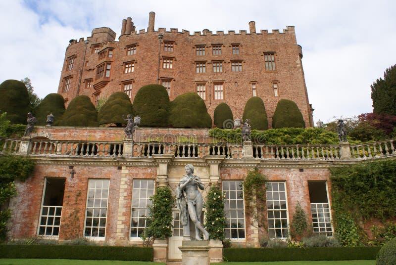 Powis城堡和庭院在英国 免版税库存图片