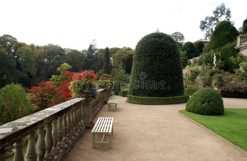 Powis城堡庭院在英国 免版税库存照片