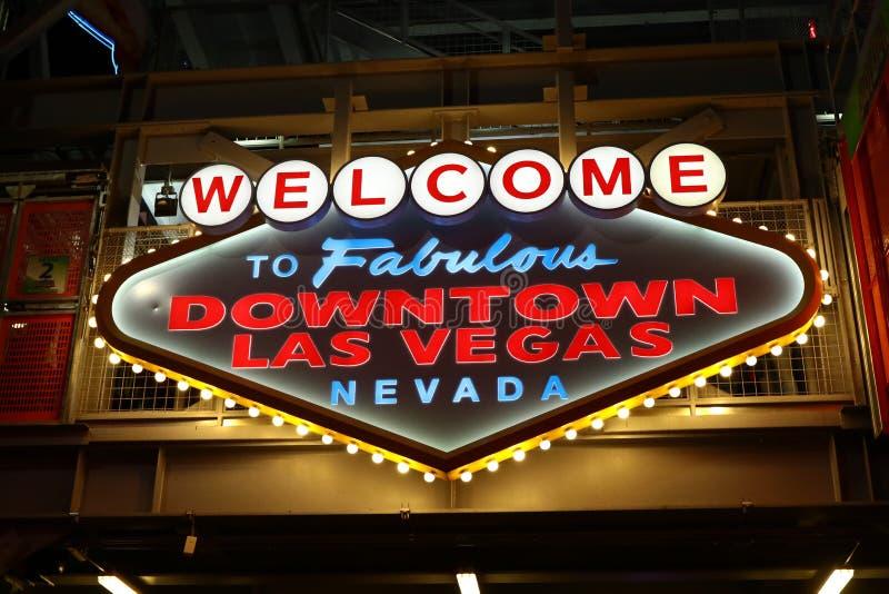 Powitanie Bajecznie W centrum Las Vegas znak przy Fremont ulicą fotografia royalty free