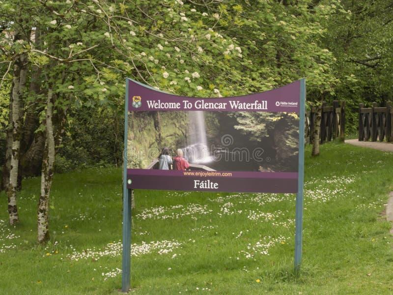 Powitanie Glencar siklawa w Irlandia 11, 2019 - GLENCAR IRLANDIA, MAJ, - obrazy royalty free