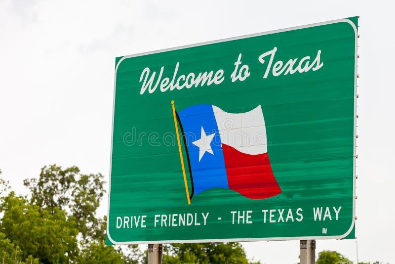 Powitanie Teksas znak na granicie stanu między Teksas w Oklahom obraz stock