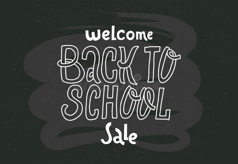 Powitanie Z powrotem szkoły sprzedaż - doodles pisze list wycenę na czarnym chalkboard ręka rysujący logo zwrot Groteskowy pismo  royalty ilustracja