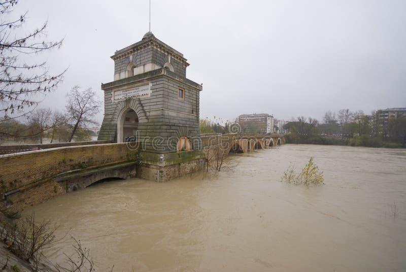 powodzi krajobrazowy milvio ponte zdjęcie stock