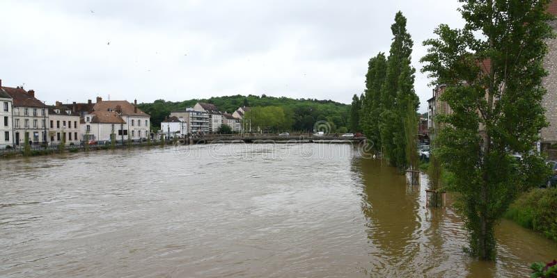 Powodzie na miasteczku melun zdjęcie stock