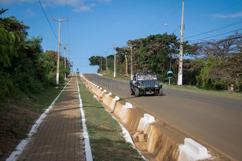 Powozik przy BR-363 drogą - Fernando De Noronha, Pernambuco, Brazylia zdjęcie stock
