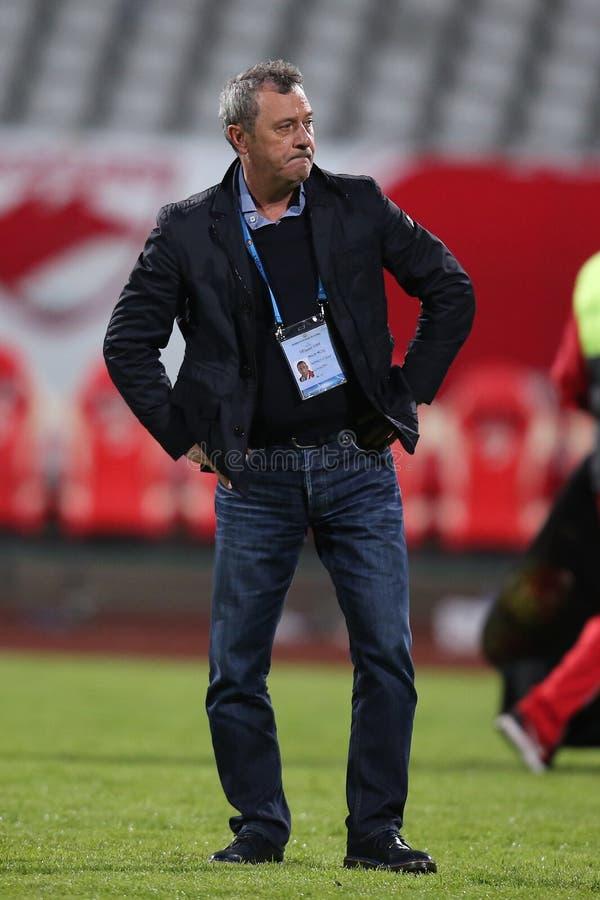 Powozowy Mircea Rednic szokował Patrick Ekeng umierał na futbolowej smole zdjęcia royalty free