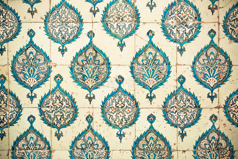 Download Powtarzać Wzory Na Ceramicznych Płytkach W Turcja Obraz Stock - Obraz złożonej z barwiony, rzemiosło: 57655427