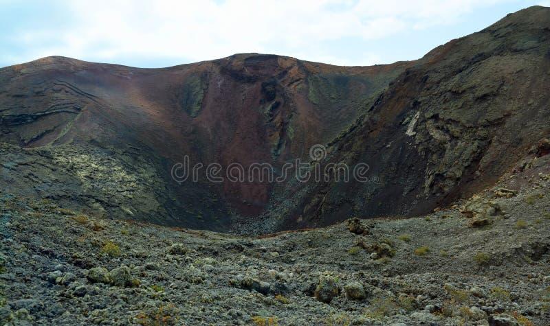 Powulkaniczny krater w krajobrazie Timanfaya park Lanzarote zdjęcia royalty free