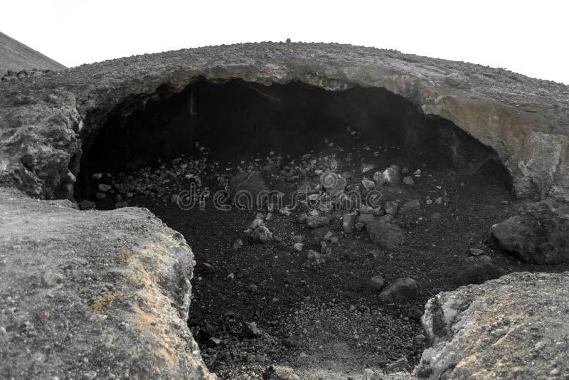 Powulkaniczny round krater ogniowy w pustyni Fuerteventura, zdjęcie stock