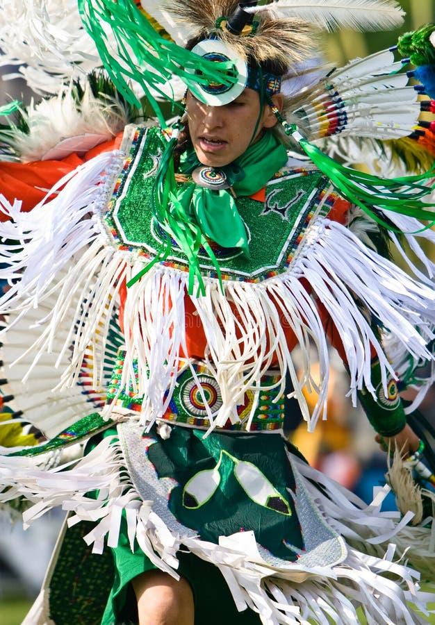 powwow вычуры танцора стоковые фото