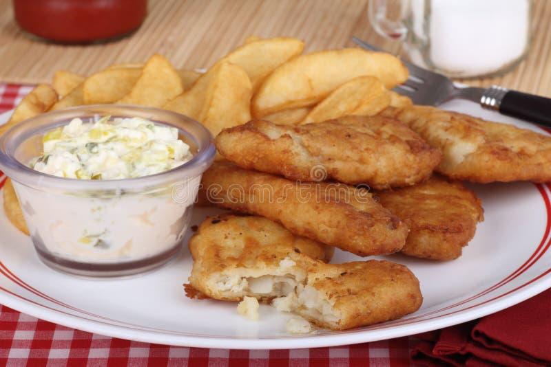 powyginany polędwicowy rybi posiłek obraz stock