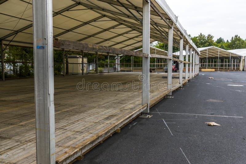Powystawowa budowa dzielnicowy jarmark, namiotowa budowa, a fotografia stock
