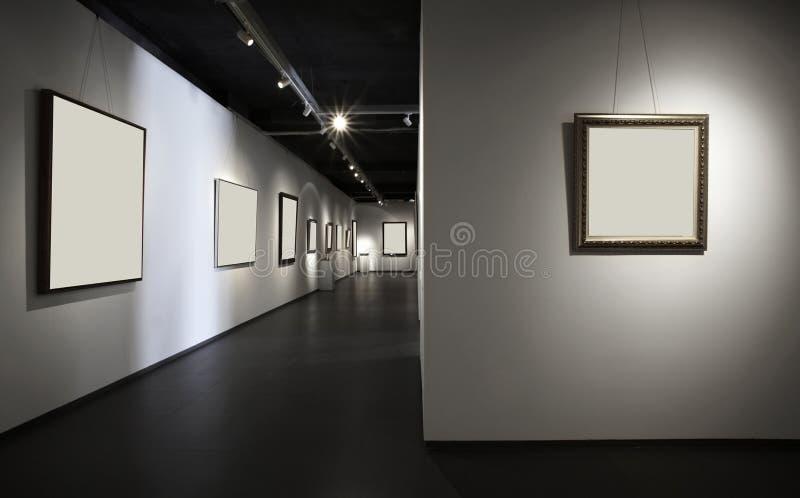 powystawowa sala obrazy stock