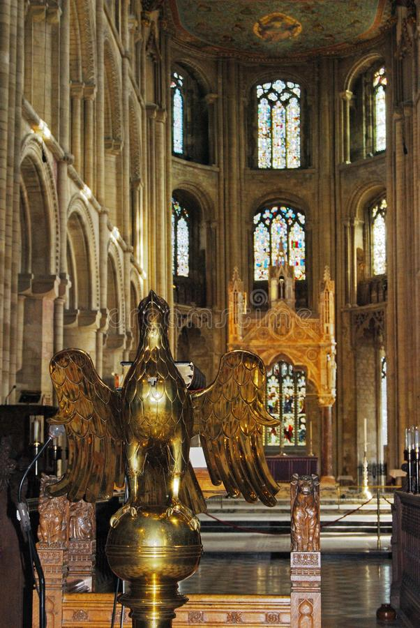 Pozłacany pulpit w Peterborough katedrze obraz stock