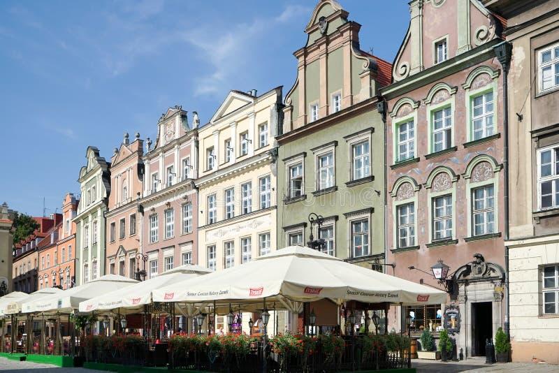 POZAN, POLAND/EUROPE - 16 DE SEPTIEMBRE: Cafés en Poznán Polonia encendido fotografía de archivo libre de regalías