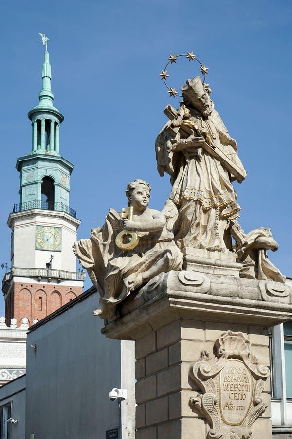 POZAN, POLAND/EUROPE - 16 DE SEPTIEMBRE: Estatua de St John Nepomuc foto de archivo