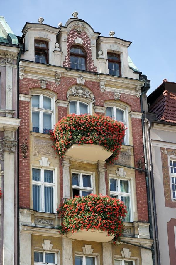 POZAN POLAND/EUROPE - SEPTEMBER 16: Rött hus i Poznan Polen arkivbilder