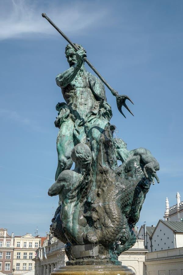 POZAN POLAND/EUROPE - SEPTEMBER 16: Springbrunn av Neptun i Poz fotografering för bildbyråer