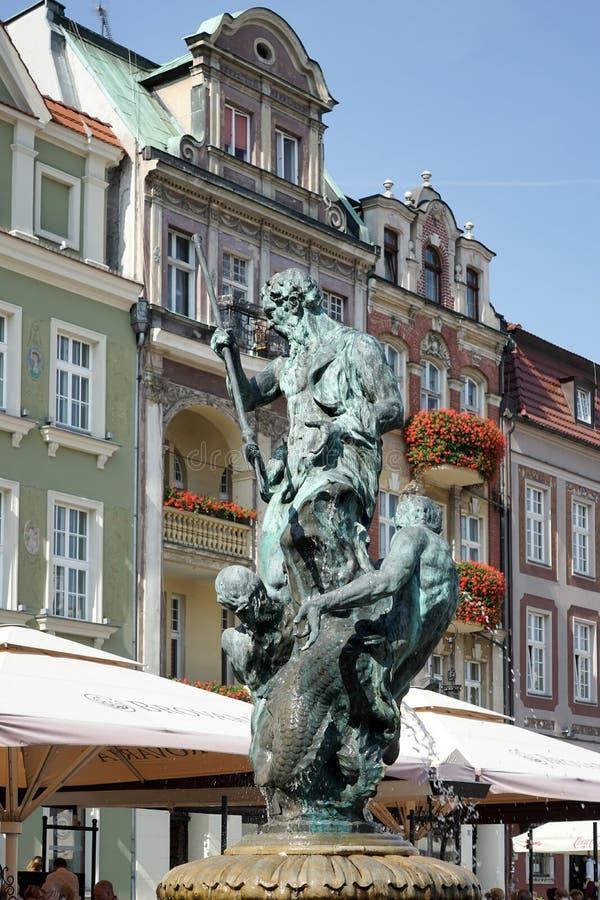 POZAN POLAND/EUROPE - SEPTEMBER 16: Springbrunn av Neptun i Poz royaltyfri fotografi