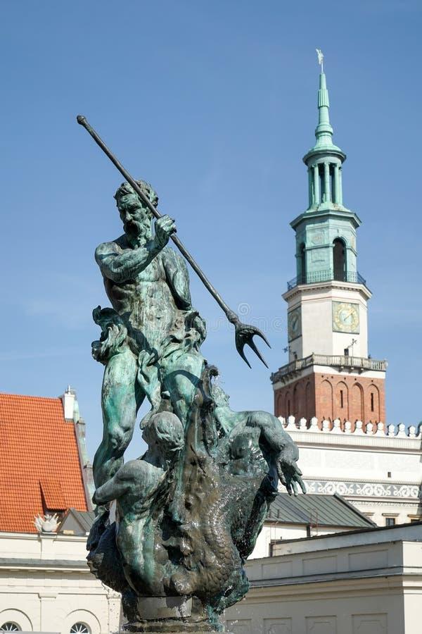POZAN POLAND/EUROPE - SEPTEMBER 16: Springbrunn av Neptun i Poz arkivbilder