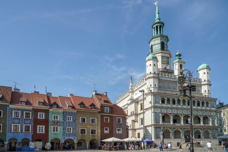 POZAN POLAND/EUROPE - SEPTEMBER 16: Stad Hall Clock Tower i P arkivbilder