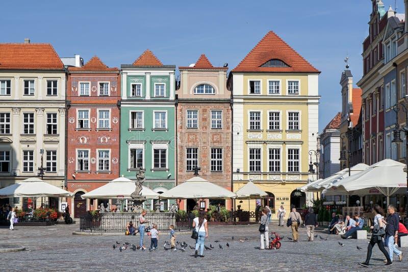 POZAN, POLAND/EUROPE - WRZESIEŃ 16: Rząd multicoloured dom fotografia royalty free