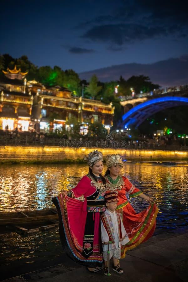 Pozing voor een foto in Feng huang royalty-vrije stock fotografie