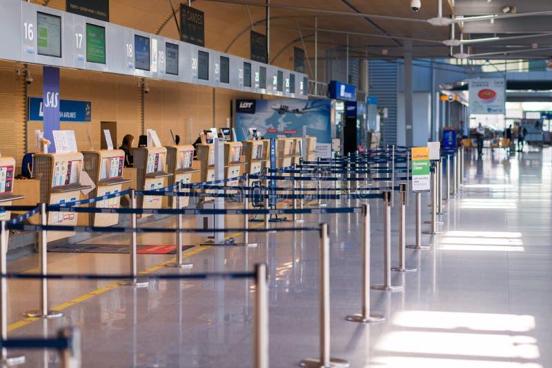 Poznański, Polska, Czerwiec - 18, 2019: lotnisko Poznański wnętrze zdjęcia royalty free