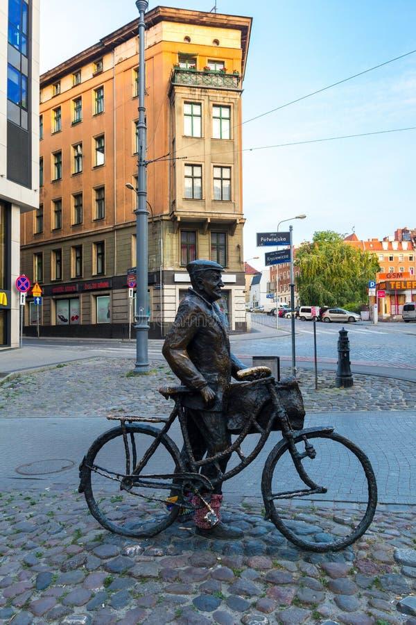 Poznan, Polen - 06 20 2018: Bekend beeldhouwwerk van stock afbeeldingen