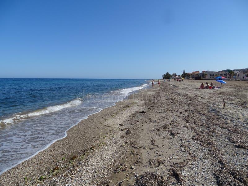 Pozo从库埃瓦斯德拉尔曼索拉阿尔梅里雅安大路西亚西班牙的de Esparto的海滩 免版税库存照片