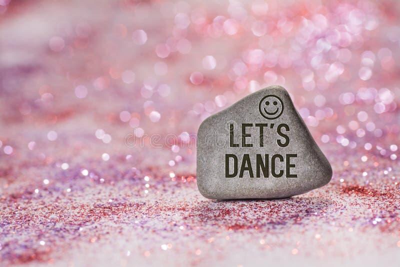 Pozwala my tanczyć graweruje na kamieniu zdjęcia royalty free