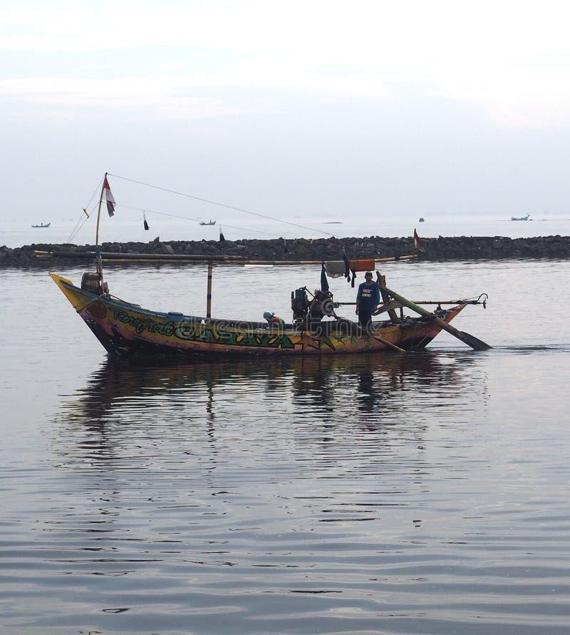 Pozwala ` s paddle łódź na rzędzie zdjęcia stock