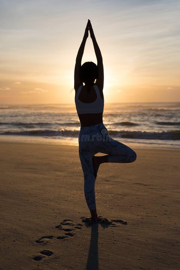 Pozwala ` s robić niektóre joga! fotografia stock