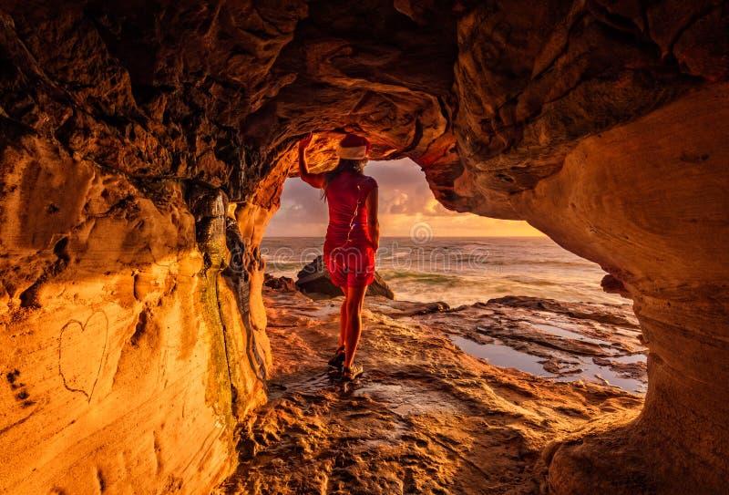 Pozytywna afirmacja przy bożymi narodzeniami Tam jest zawsze lekki przy końcówką tunel obraz royalty free