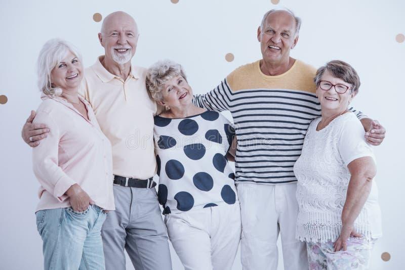 Pozytywny związek między starszymi ludźmi zdjęcia royalty free