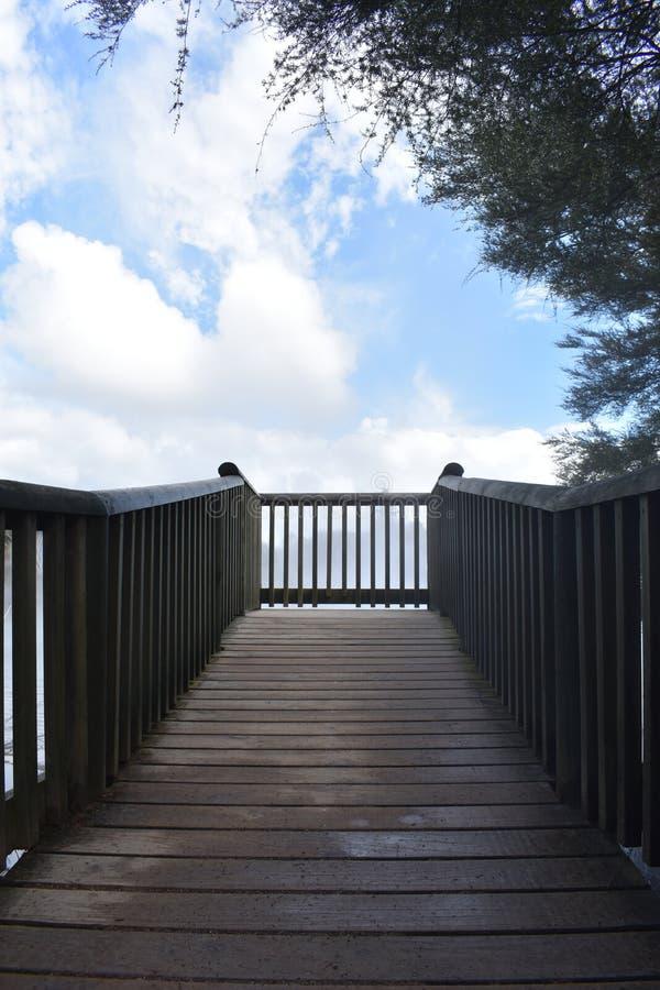 Pozzo delle scale alla cima immagini stock libere da diritti