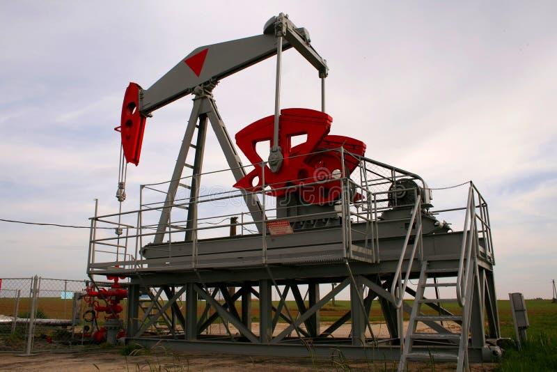 Download Pozzo di petrolio immagine stock. Immagine di diossido - 3133081