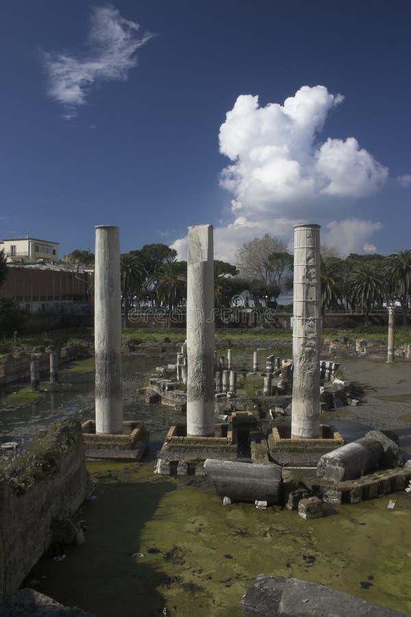Pozzuoli-Tempio di Serapide imagens de stock royalty free