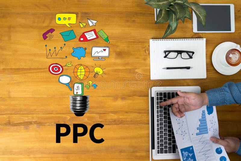 PPC - Bezahlung-pro-Klick- Konzept stockfotografie