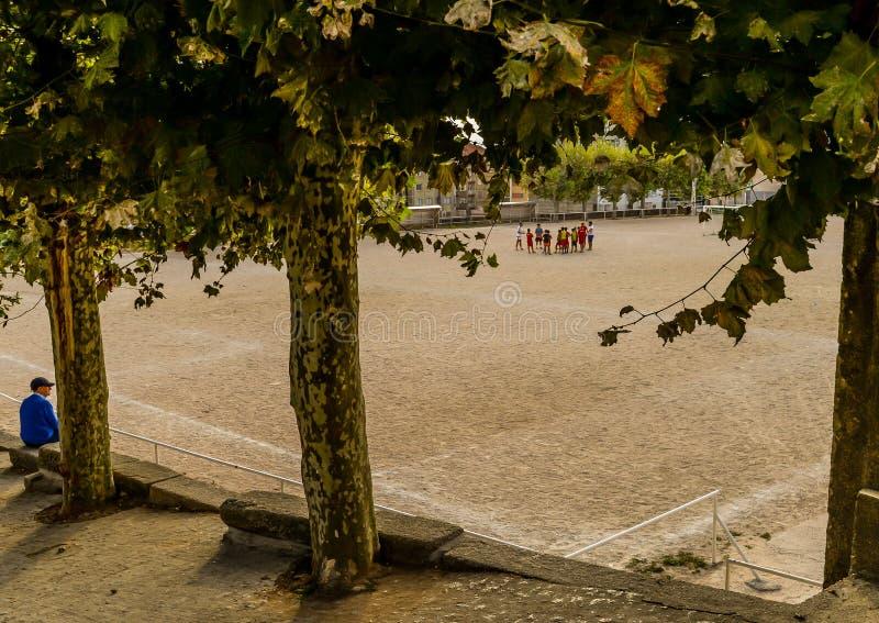 Prática do futebol em Vigo - Espanha foto de stock royalty free