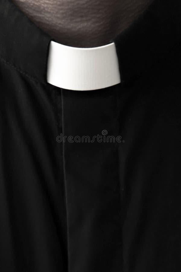 Prästs krageslut upp royaltyfri foto