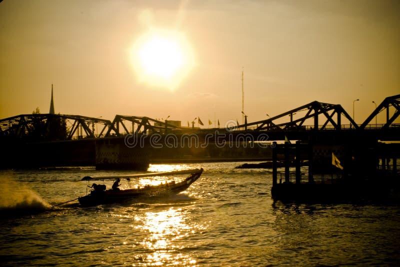 Près du fleuve photographie stock