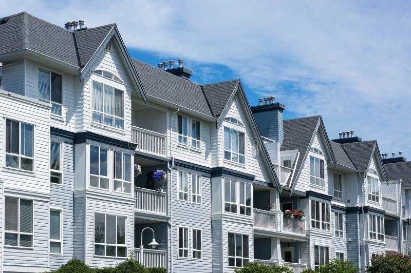 Prédio de apartamentos fotos de stock royalty free