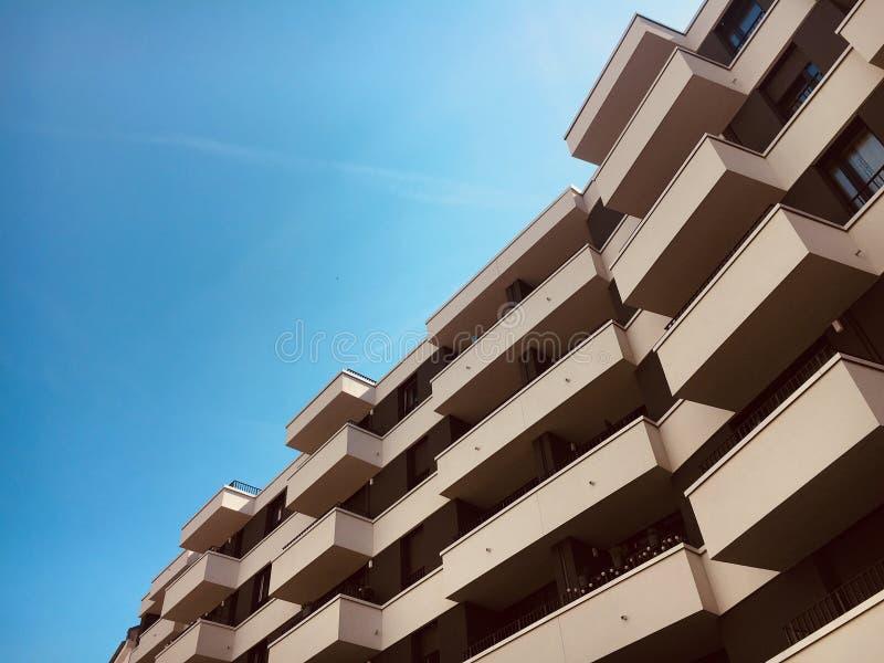 Prédio de apartamentos em Francoforte foto de stock